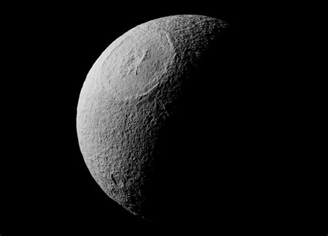 Cassini Image of Odysseus Crater on Saturn's Icy Moon Tethys