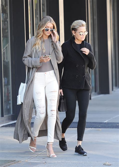 With Yolanda Foster And Mohamed Hadid Reuniting, How Does